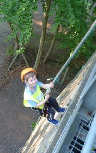 Woosehill Beavers to abseil at Earleywood
